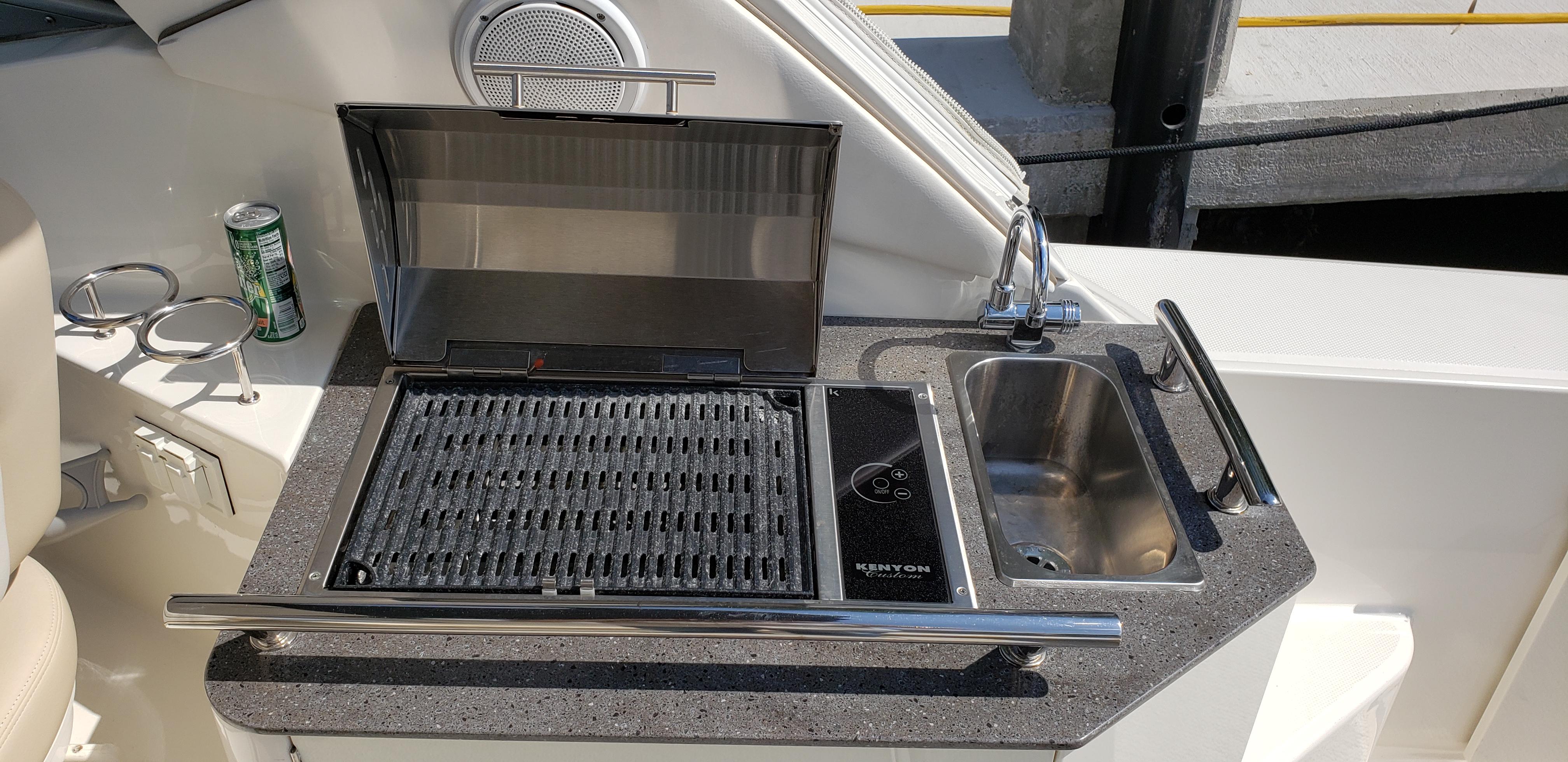 2012 Sea Ray 310 Sundancer BBQ grill